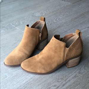 GREAT CONDITION Steve Madden Suede Booties
